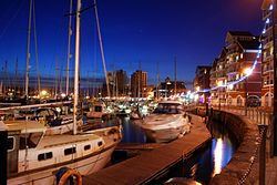Neptune Marina, Ipswich at night.JPG