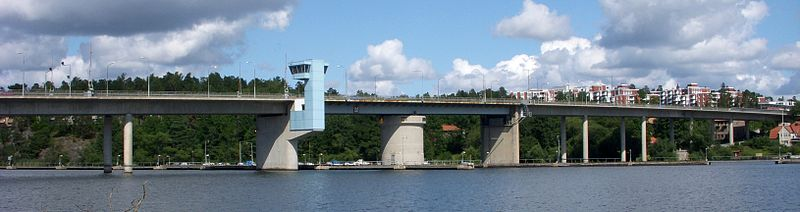 Nockebybron om sommeren 2008, vy fra Kärsön.
