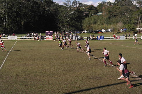Noosa kick off vs Nambour.JPG