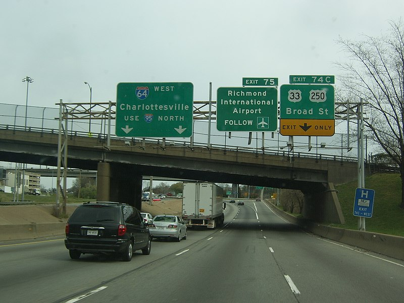 File:Northbound I-95 at Exit 74C; US 33-250 in Richmond, VA.jpg