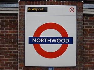 Northwood tube station - Image: Northwood tube roundel
