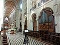 Noyon (60), cathédrale Notre-Dame, chœur, parties basses, vue diagonale vers le nord-ouest.jpg