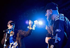 Shavo Odadjian - Shavo and The Rza performing live music from Achozen.