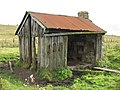 Old railway hut - geograph.org.uk - 568575.jpg