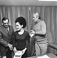 Oltmans met Ratna Sara Dewi (weduwe van president Soekarno), Bestanddeelnr 926-8223.jpg