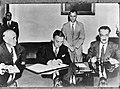 Ondertekening van het Handvest der Verenigde Volkeren door de Franse afgevaardig, Bestanddeelnr 900-9056.jpg