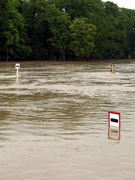 File:Oppeln - 2010 flood 3.jpg