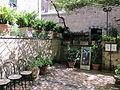 Orvieto, pozzo dela cava, giardinetto 02.JPG