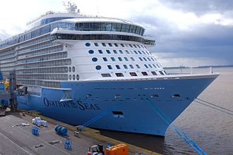 Ovation of the Seas - 30 March 2016 – Final preparation of Ovation of the Seas at Columbuskaj in Bremerhaven