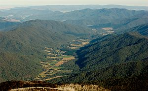 Ovens River - Image: Ovens Valley and MUMC from Mt Feathertop