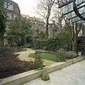 Overzicht van de tuin, gezien vanaf de achtergevel - Amsterdam - 20402566 - RCE.jpg