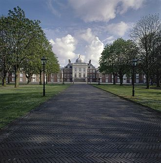 Huis ten Bosch palace - View from north
