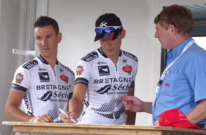 Péronnes-lez-Antoing (Antoing) - Tour de Wallonie, étape 2, 27 juillet 2014, départ (C027).JPG