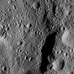 PIA20930-Ceres-DwarfPlanet-Dawn-4thMapOrbit-LAMO-image168-20160601.jpg