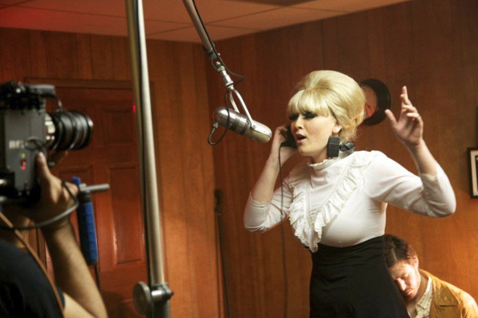 Paige Segal as Dusty Springfield