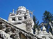 Palais Idéal du facteur Cheval - Détail : Tour de Barbarie