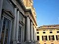 Palazzo Ducale (Genova) parte alta facciata lato piazza G.Matteotti.jpg