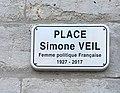 Panneau de la place Simone Veil à Valence (Drôme).jpg