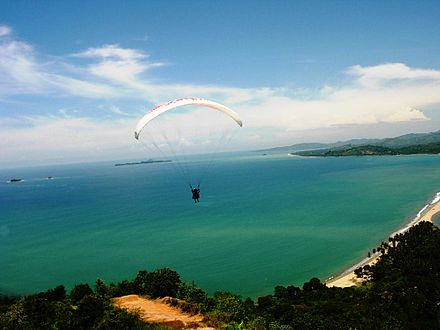 Tandem Paragliding at Painan, Indonesia Paragliding at Langkisau Hill - Painan 2009.JPG
