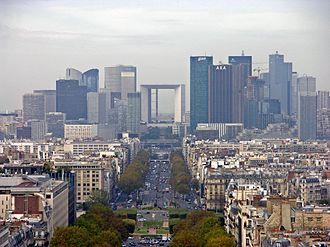 Economy of France - Image: Paris Blick vom großen Triumphbogen
