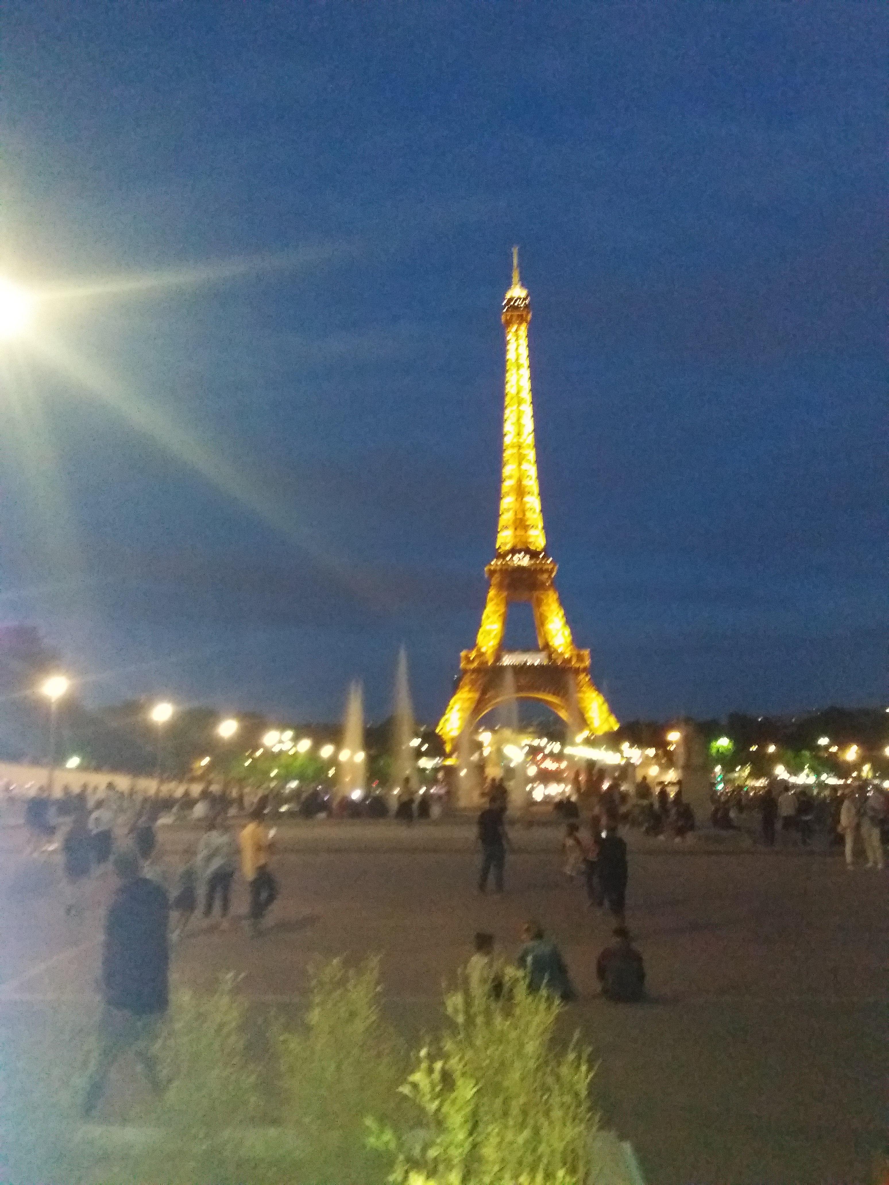 File Paris Tour Eiffel Nuit Jpg Wikimedia Commons
