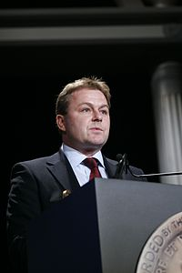 Patrick Morris accepts the Peabody Award, June 2007 (10).jpg