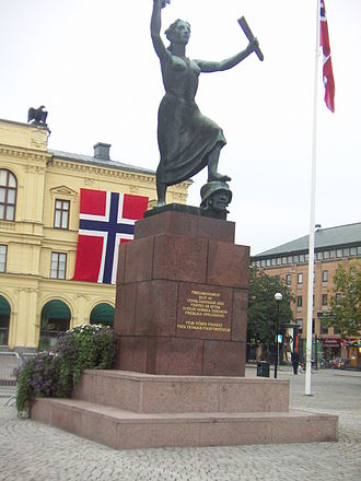 Dissolution of the union between Norway and Sweden - Peace monument in Karlstad, erected on the city square on the 50th anniversary of the dissolution of the union between Norway and Sweden