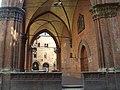 Piazza della Mercanzia, Bologna.jpg