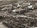 PikiWiki Israel 809 Kibuts Nir-am חצר ניר-עם 1950.jpg