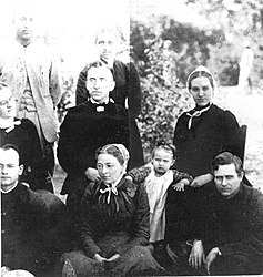 Pioneer Mennonite missionaries, Dhamtari, India (9019374328).jpg