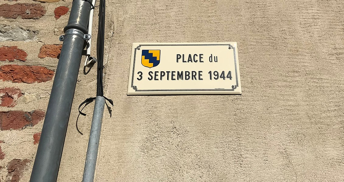Panneau de la Place du 3-septembre-1944 à Montrevel-en-Bresse.