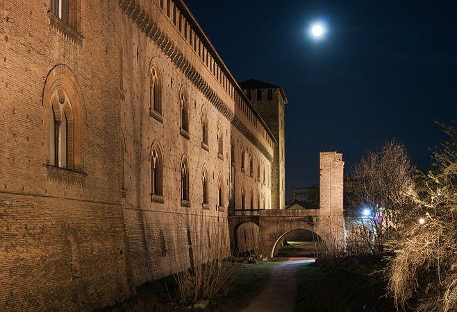 Plenilunio al castello.jpg