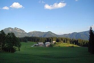 Dleskovec Plateau - Image: Podveža, Luče kmetija Planinšek 2