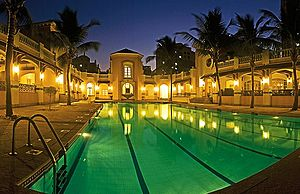 Hiranandani Estate - Image: Poolhestate