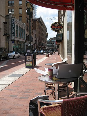 English: Pratt Street, Downtown Hartford, Conn...