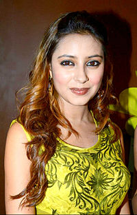 Pratyusha Banerjee at her birthday bash.jpg