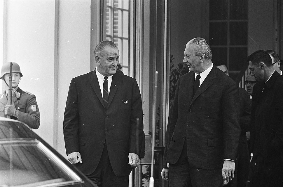 President Johnson (USA) had besprekingen met Kiesinger te Bonn, Johnson en Kiesi, Bestanddeelnr 920-2595