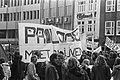 Proloog demonstreert tegen intrekking gemeentesubsidie in Eindhoven overzicht d, Bestanddeelnr 927-1532.jpg
