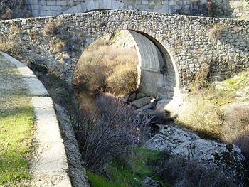 Puente del Grajal, sobre el río Manzanares.