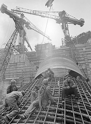 Sayano–Shushenskaya Dam - Construction of the Sayano–Shushenskaya Dam, 1978