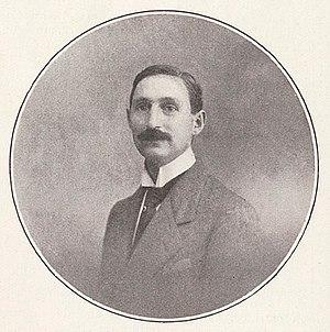 René Dumesnil - René Dumesnil, in 921