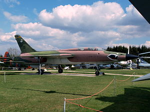 Republic F-105 Thunderchief USAF 24417 pic1.JPG