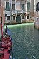 Rio dei Bareteri e Rio San Zulian a Venezia.jpg