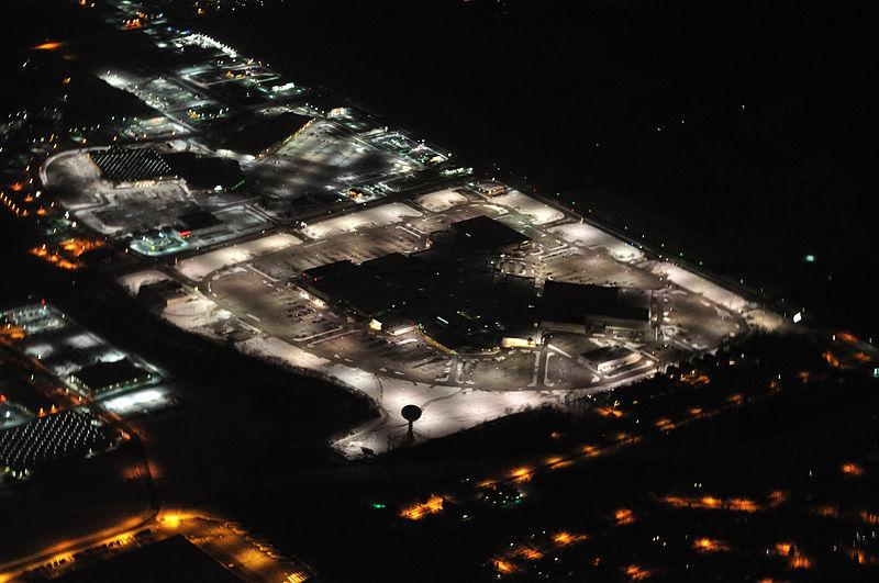File:River Oaks shopping mall in Calumet City, Illinois.jpg