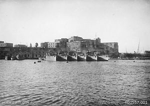 River-class torpedo-boat destroyer - Five River-class ships with a British destroyer at Brindisi in 1917