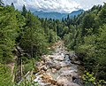 River near Bohinj (46215263112).jpg