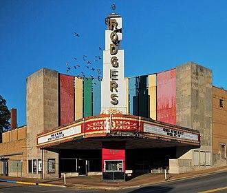 Poplar Bluff, Missouri - Image: Rodgers Theatre, 204 224 N. Broadway Street, Poplar Bluff, Mo, USA
