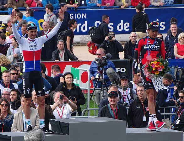 Roubaix - Paris-Roubaix, 12 avril 2015, arrivée (B10).JPG