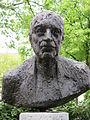 Rudolf Bultmann als Porträtbüste von Michael Mohns.JPG