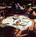 Ruokien myyntipöytä Gran Marchélla (16636082097).jpg